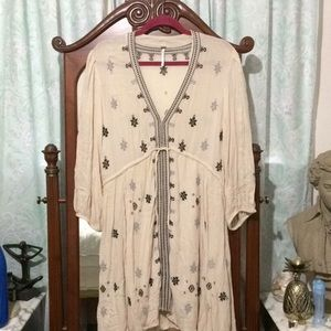 Dresses & Skirts - NWOT free People embroidered dress